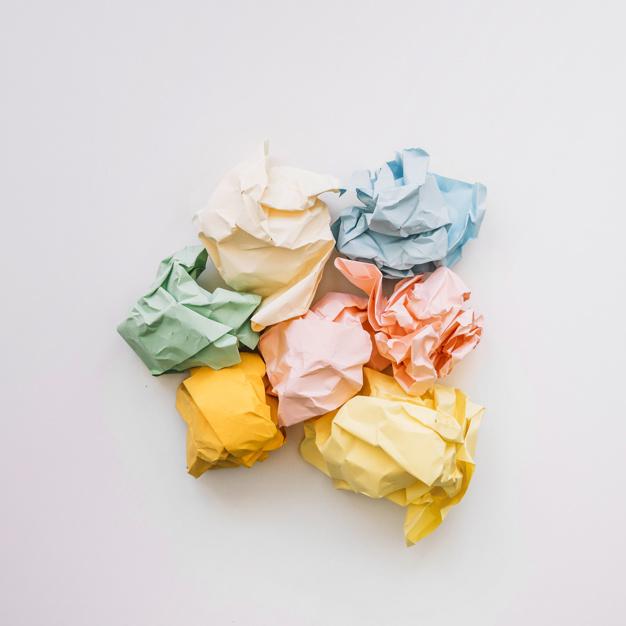 podwyzszony-widok-miie-papier-odizolowywajacego-na-bialym-tle_23-2147826779
