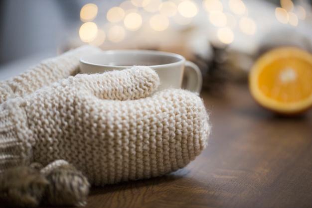 gloves-touching-tea_23-2147776728